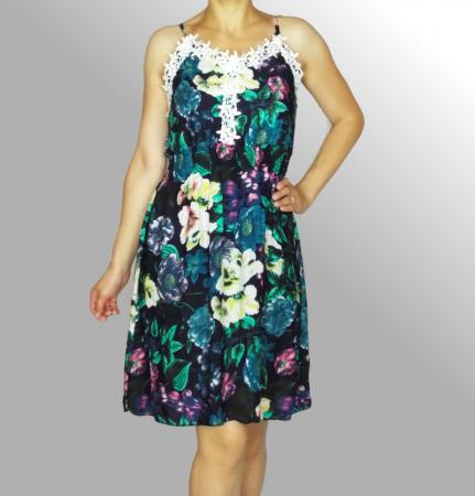 Rochie de vara cu imprimeu floral si dantela la piept - Ingrid Bleumarin2