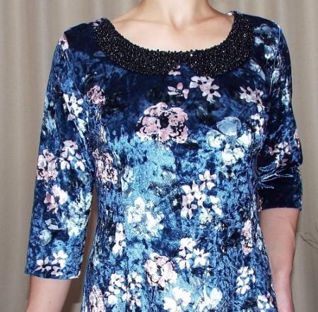 Rochie din catifea cu imprimeu si colier - Dalia Bleumarin2