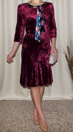 Rochie din catifea cu maneca trei sferturi - Margot Visiniu [0]