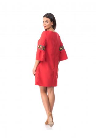 Rochie eleganta rosie cu maneca clopot cu insertii brodate - R7011