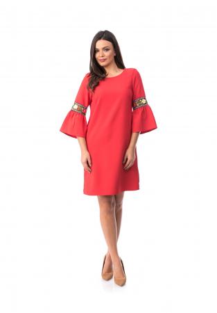 Rochie eleganta rosie cu maneca clopot cu insertii brodate - R7010