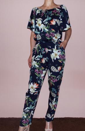 Salopeta bleumarin cu imprimeu floral si maneca scurta - Pandora Floral1