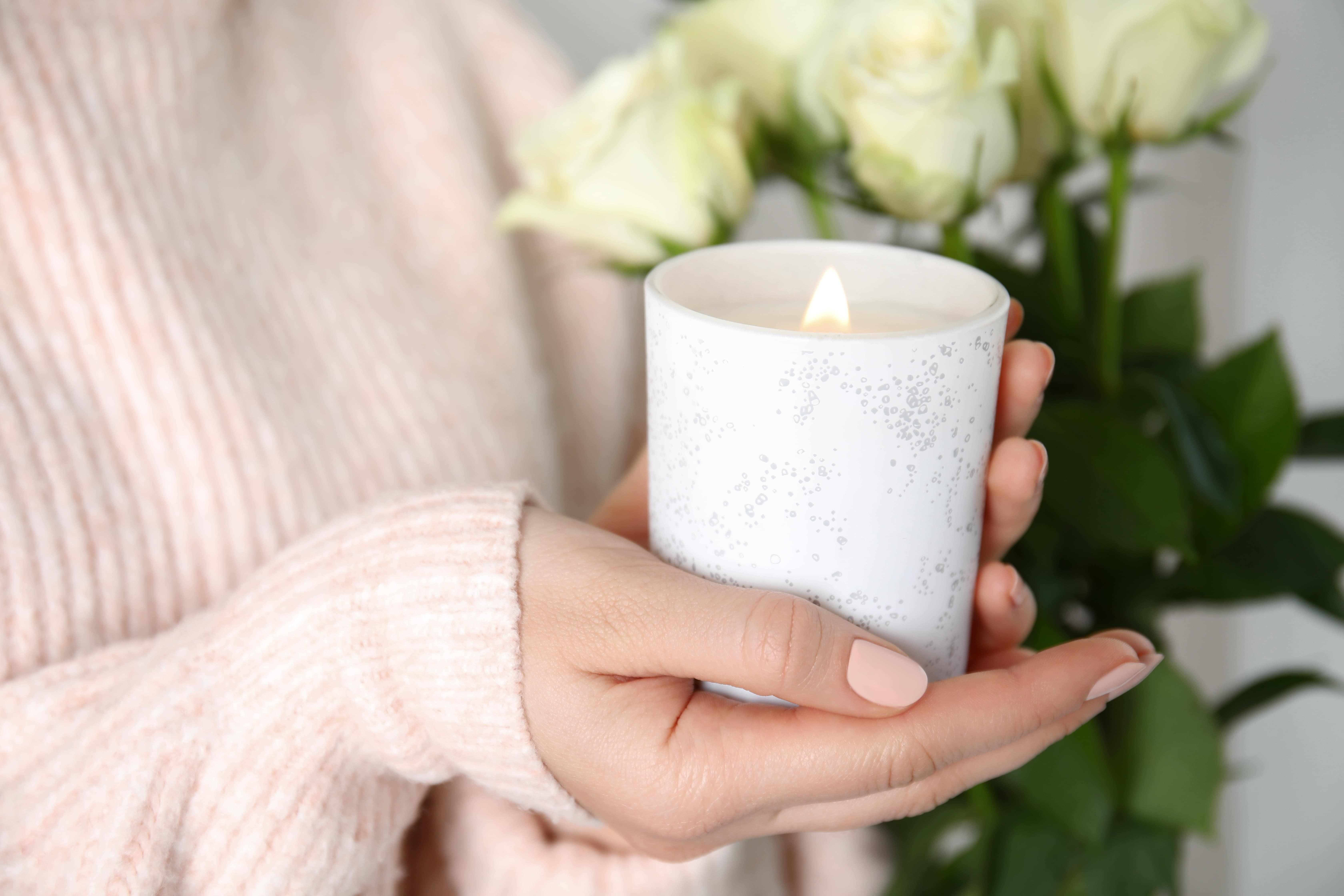 Cum să te bucuri de lumânări parfumate acasă, în siguranță?
