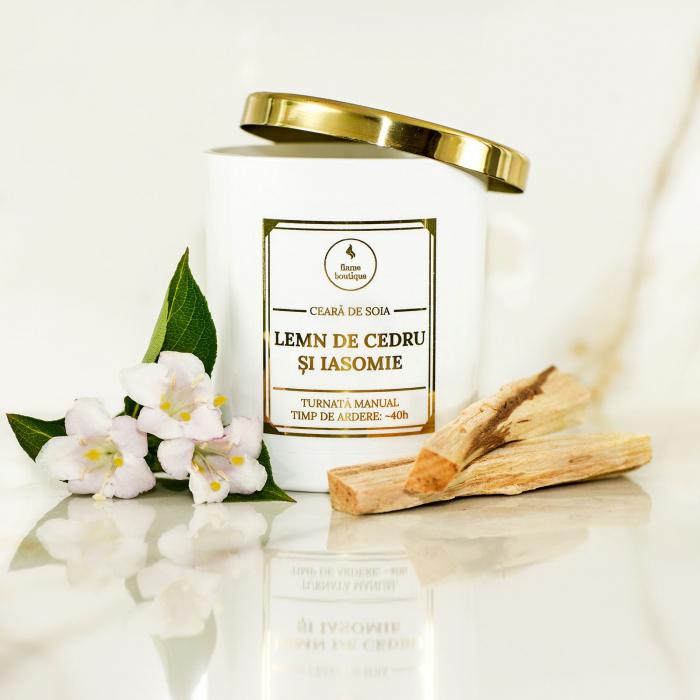 lumanare parfumata lemn de cedru si iasomie [1]