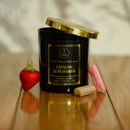 lumanare parfumata capsuni si rubarba [1]