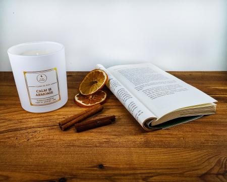 Lumânare parfumată din ceară de soia Calm și armonie | Premium Alb3