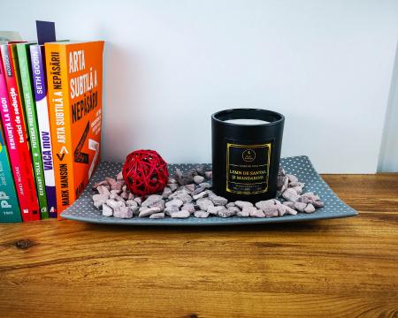 Lumânare parfumată din ceară de soia Lemn de santal și mandarine | Premium Negru3