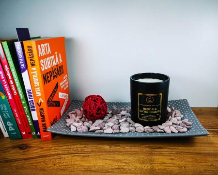Lumânare parfumată din ceară de soia Mosc alb și chihlimbar | Premium Negru3