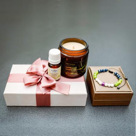 Pachet Relaxare, Lumânare Parfumată Cu Lavandă + Brățară Din Rocă Vulcanică + Ulei Esențial Lavandă Fleurene + Ambalaj Premium [5]
