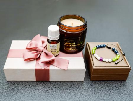 Pachet Relaxare, Lumânare Parfumată Cu Lavandă + Brățară Din Rocă Vulcanică + Ulei Esențial Lavandă Fleurene + Ambalaj Premium [0]