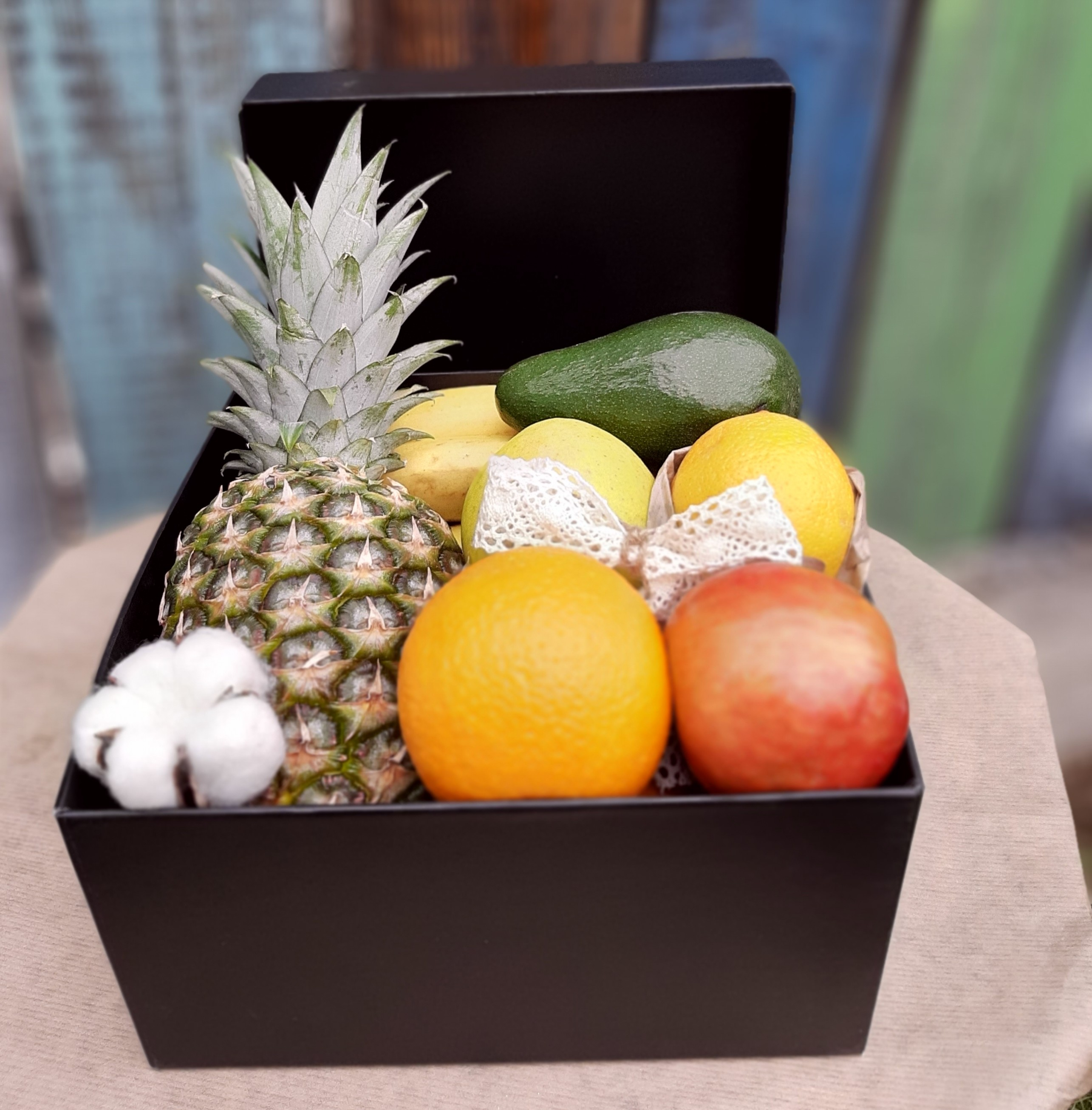 Alege si un cos cu fructe!