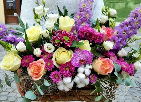 "Pachet cadou ""Family joy!"": flori, fructe si carte!3"