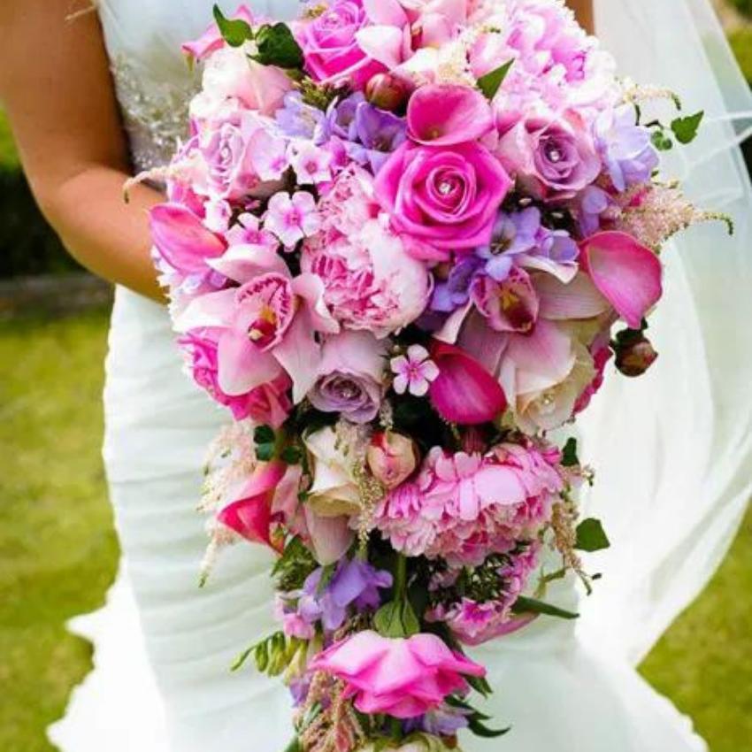 buchet mireasa cascada florarie roman