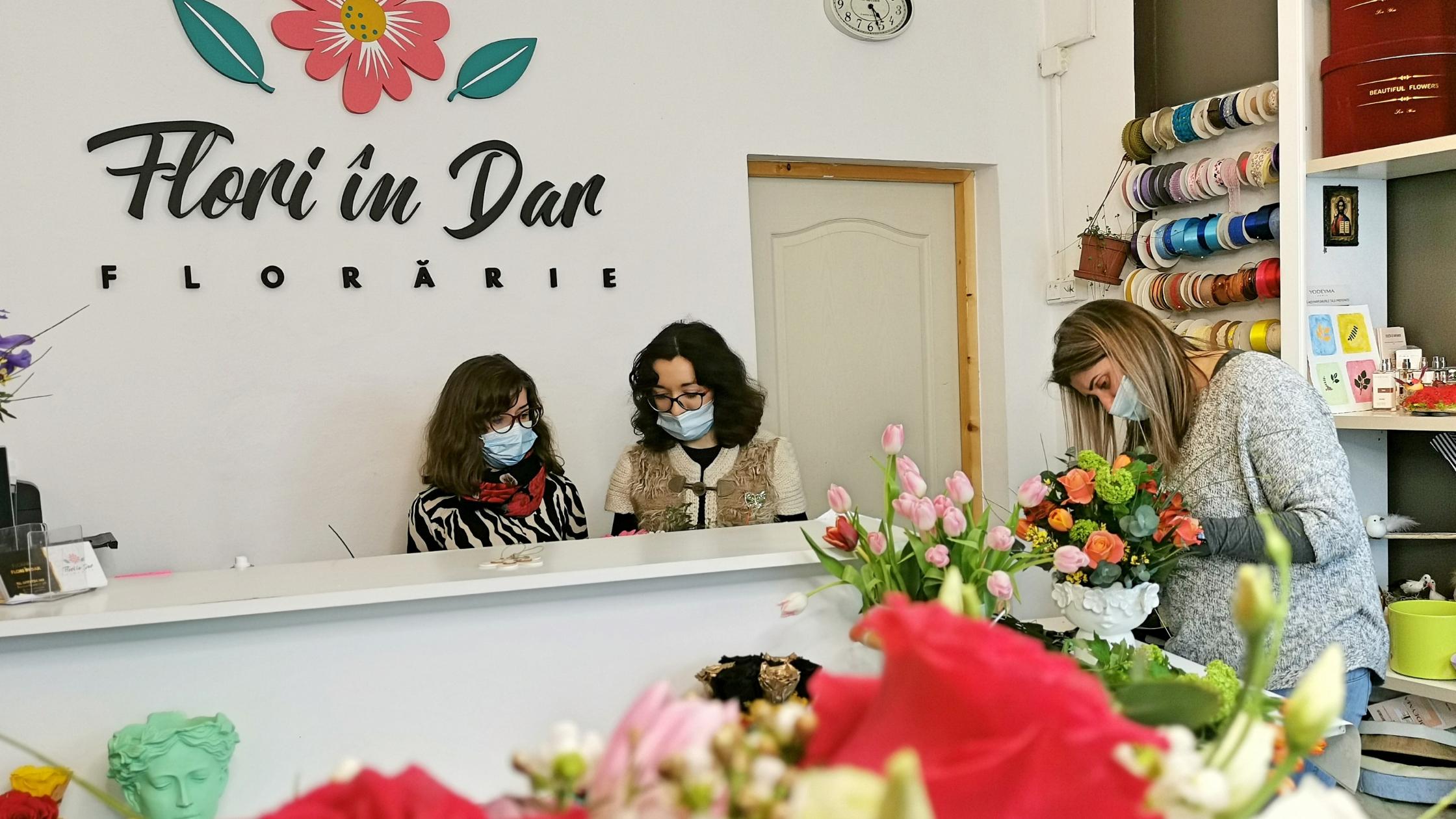 Florarie online Roman,livrare flori la domiciliu