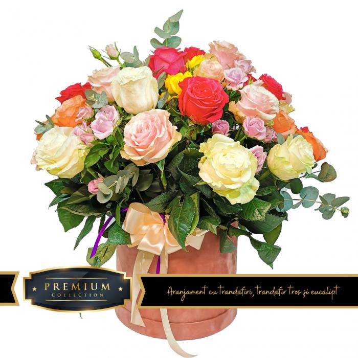 Aranjament cu trandafiri, trandafir tros și eucalipt livrare gratuita Roman [0]