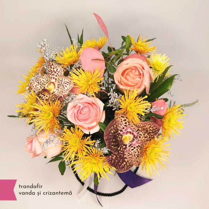 Aranjament cu trandafir, vanda și crizantema [1]