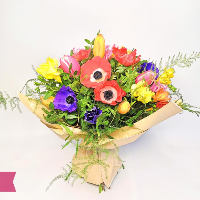 Buchet anemone,frezie și lalele [1]