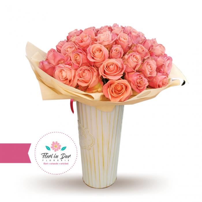 Buchet 50 trandafiri cu livrare Roman [0]