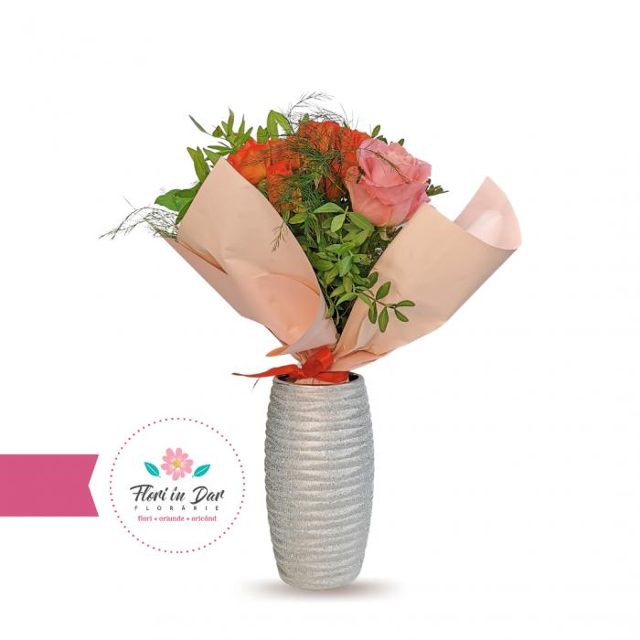 Buchet de trandafiri si miniroze florarie Roman [0]