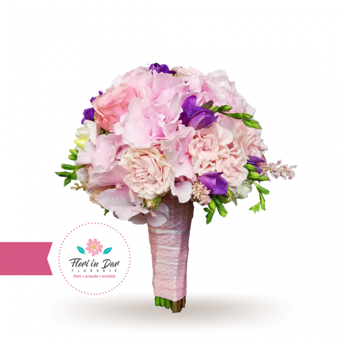 Buchet mireasa cu hortensie, trandafiri si frezie florarie Roman [0]