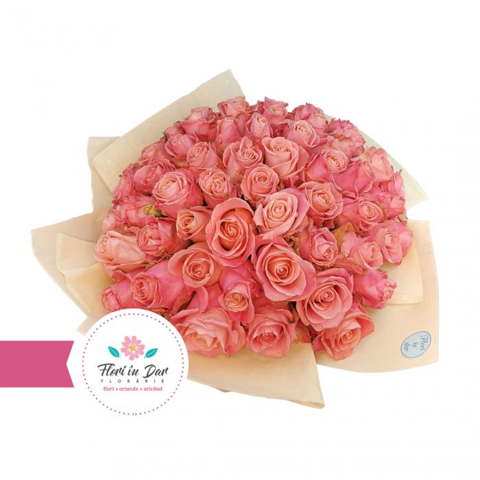 Buchet 50 trandafiri cu livrare Roman [1]