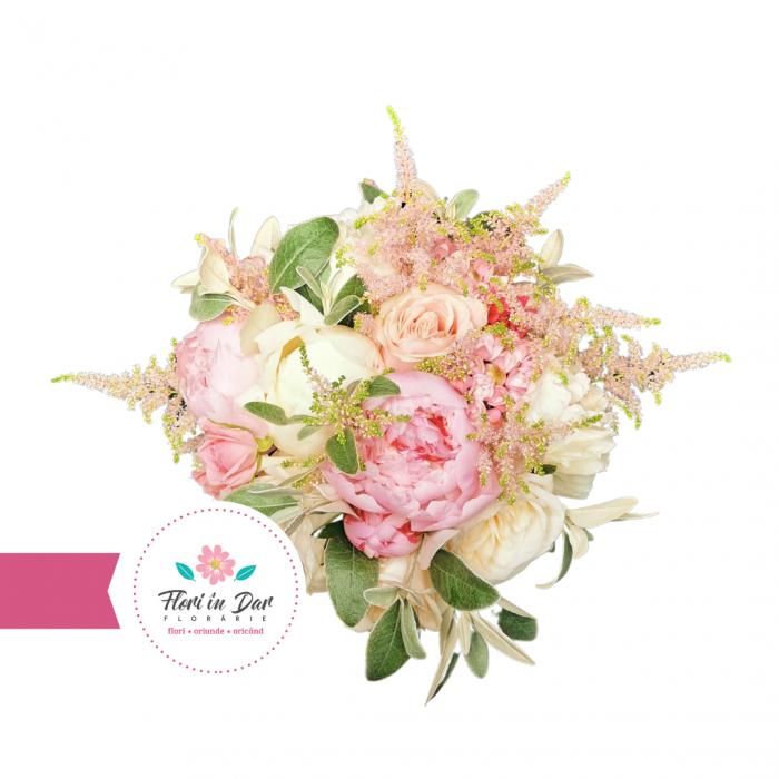 Buchet mireasa cu trandafiri, astilbe, miniroze florarie Flori in Dar Roman [2]