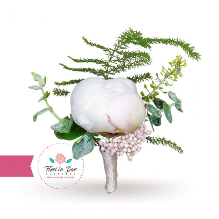 Cocarde flori de pus in piept [2]