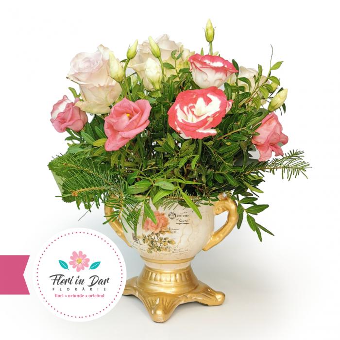 Aranjament floral trandafir și eustoma in vas ceramica [0]
