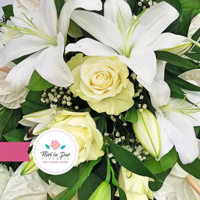 Coroana cu anthurium crin trandafir crizantema [1]