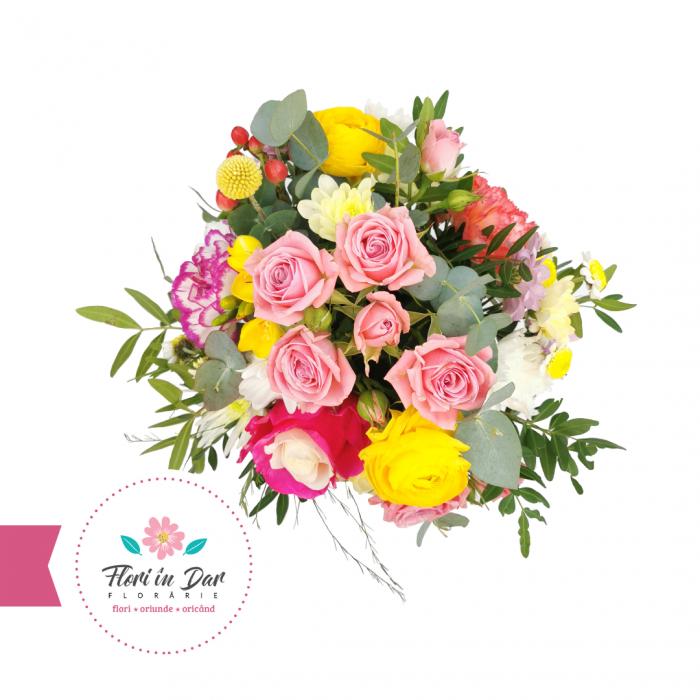 Aranjament cu trandafiri, ranunculus, miniroze, eucalipt floraire Roman [1]