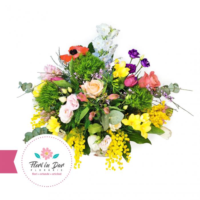 Aranjament de primăvară cu mimosa, lalele, miniroze, eustoma, frezie,  diantus, alstroemeria, eucalipt [1]