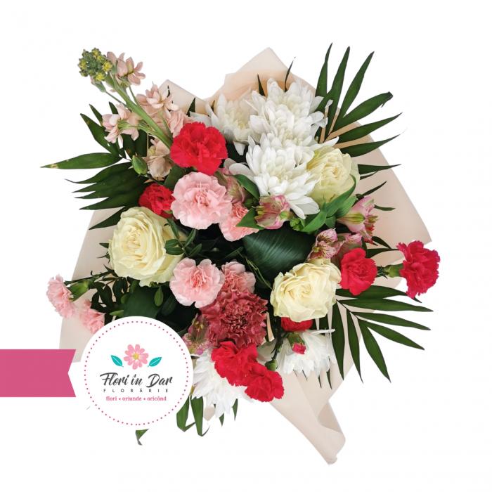 Buchet din mathiola, dianthus, trandafir, crizantema, alstroemeria livrare flori Roman [1]