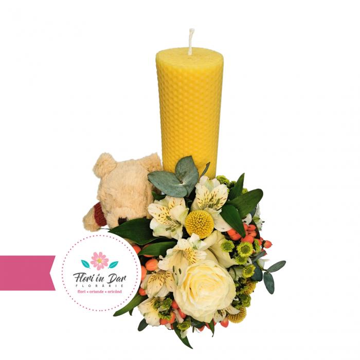 Lumanare botez cu hopericum, trandafir, alstroemeria, santina si craspedia florarie Roman [1]