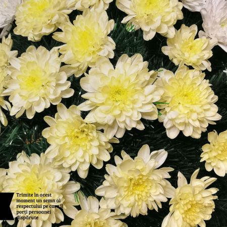 Coroana funerara cu crizantema livrare Roman [1]