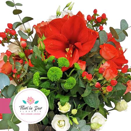 Aranjament floral Roman cu amarilis, hipericum, crizantema, eustoma, trandafir [1]