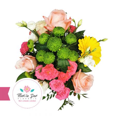 Aranjament cu miniroze, eustoma, crizantema, trandafir in vas ceramica pictata [1]