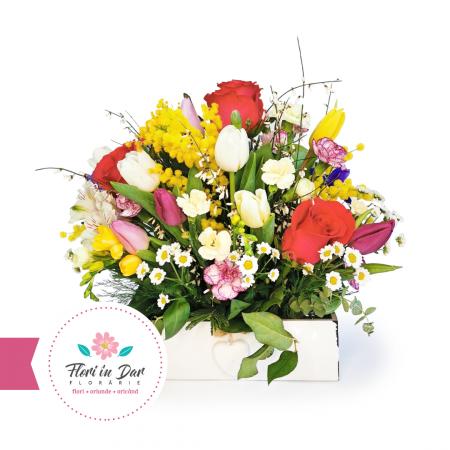 aranjament floral in cutie de lemn Flori in Dar Roman [0]