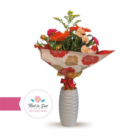Buchet de flori cu solidago, dianthus, gerbera florarie cu livrare Roman [0]