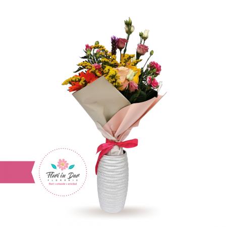 Buchet cu solidago, eustoma, trandafir, gerbera, dianthus livrare flori Roman [0]