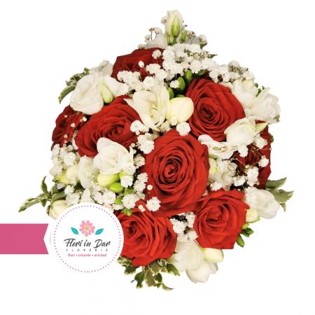 Buchet de mireasa cu trandafiri, frezie, eustoma florarie Roman [1]