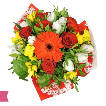 Buchet flori cu frezie, trandafir, lalea, gerbera livrare gratuita Roman [1]