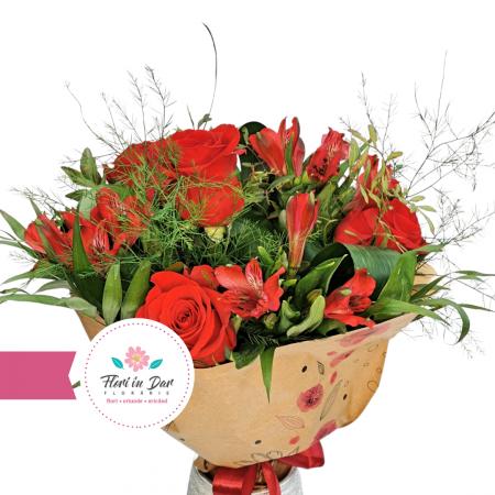 Livrare flori Roman Buchet cu trandafir și alstroemeria [1]