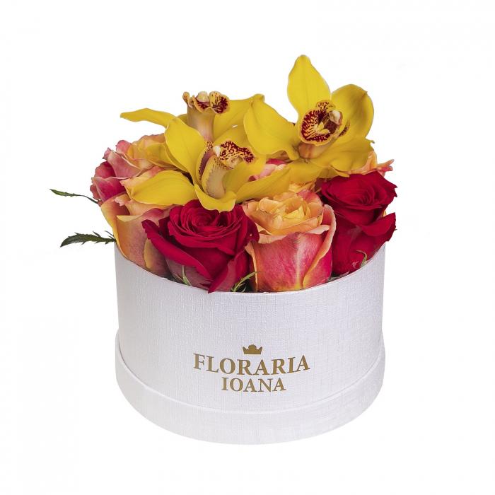 Aranjament floral cu trandafiri [0]