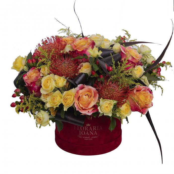 Aranjament floral in cutie [0]