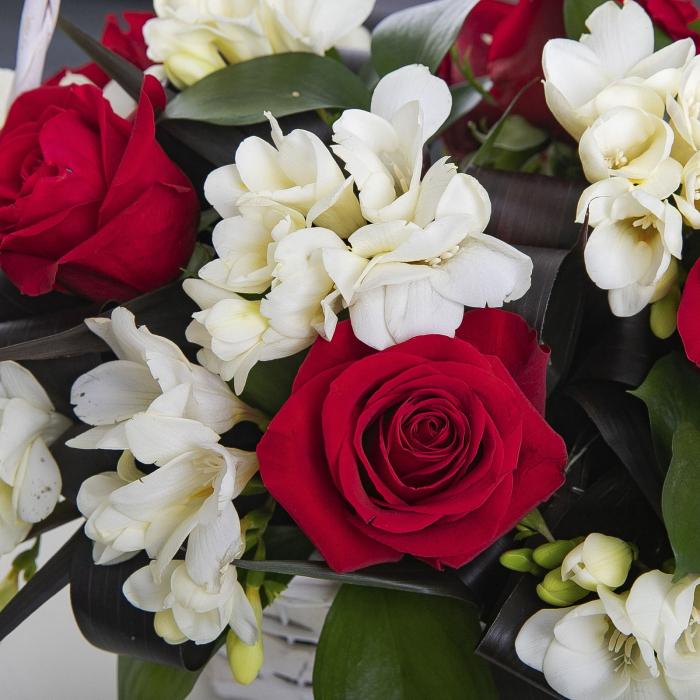 Cosulet cu frezi si trandafiri [1]