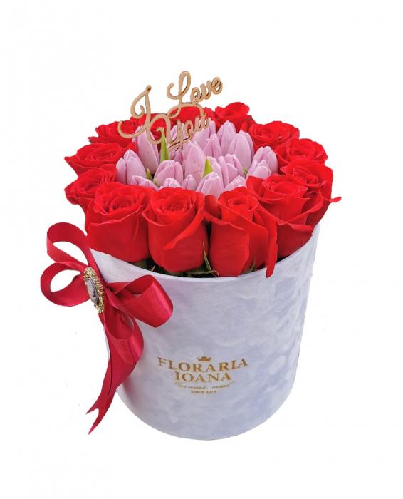 Cutie cu trandafiri si lalele [0]