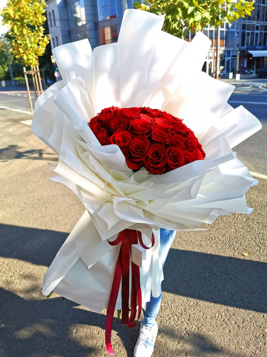 Buchet 65 trandafiri rosii [0]