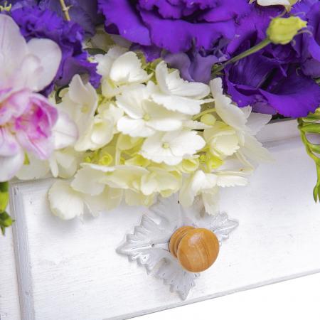 Aranjament cu flori in ladita [2]