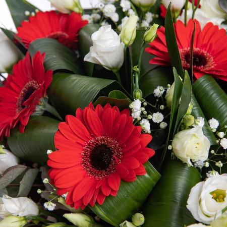 Buchet de flori cu gerbera si lisianthus [1]