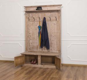 Cuier hol din lemn masiv cu pantofar 2 usi1